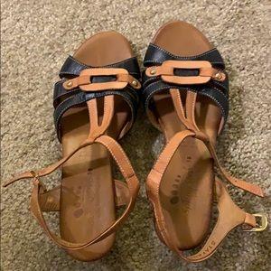 Spring step sandels